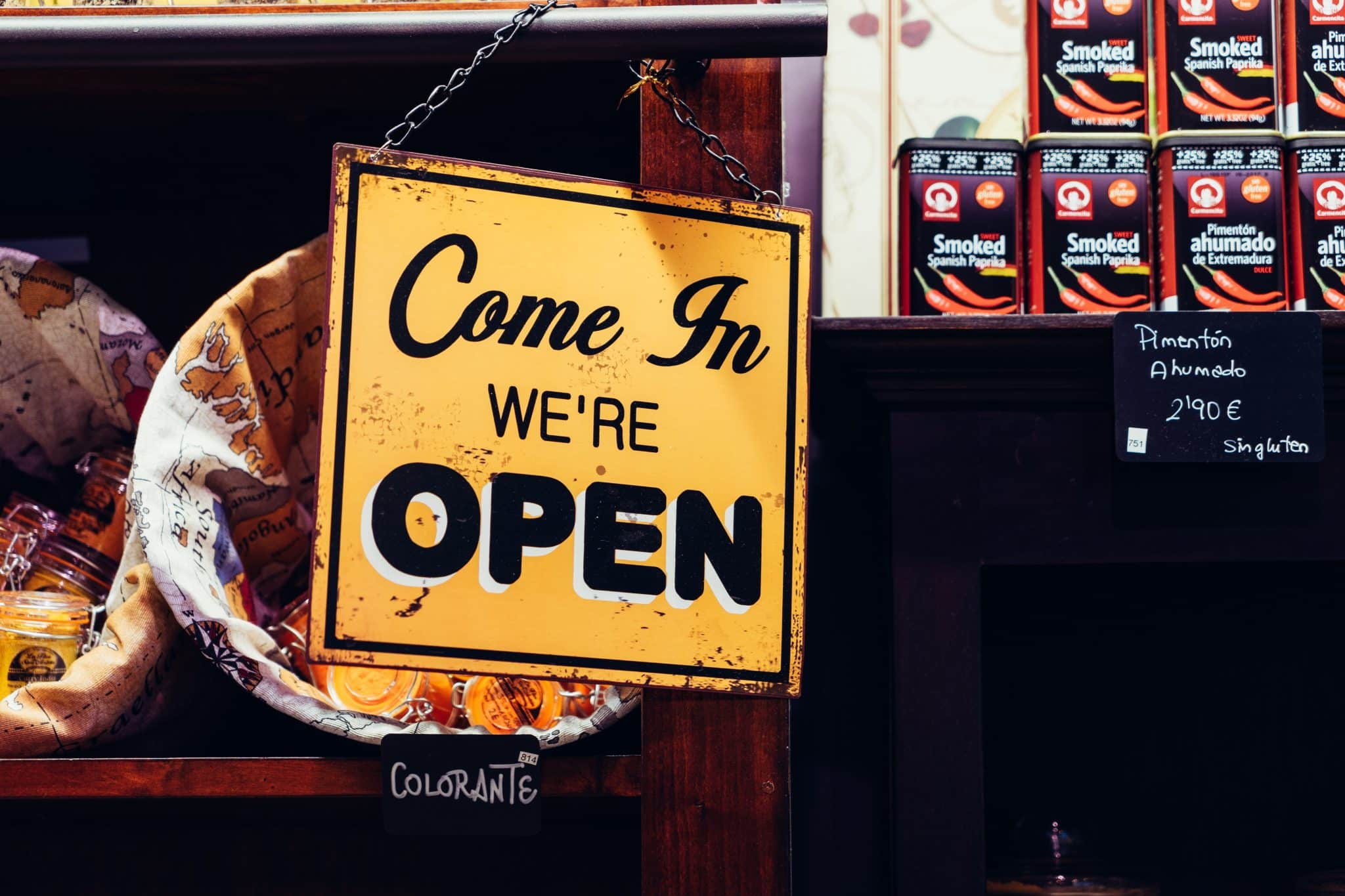 Open sign - Photo by Álvaro Serrano
